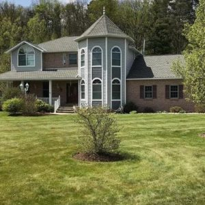 5 Bedroom House for Sale in Russell PA
